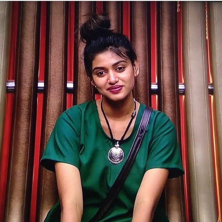 Actress Oviya Photo Stills From Vijaytv Bigboss House Exclusive 29