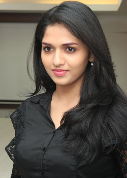 About Sunaina Actress Biography Detail Info