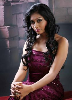 About Udhayathara Actress Biography Detail Info