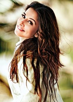 About Vidya Balan Actress Biography Detail Info