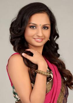 About Vinaitha Actress Biography Detail Info