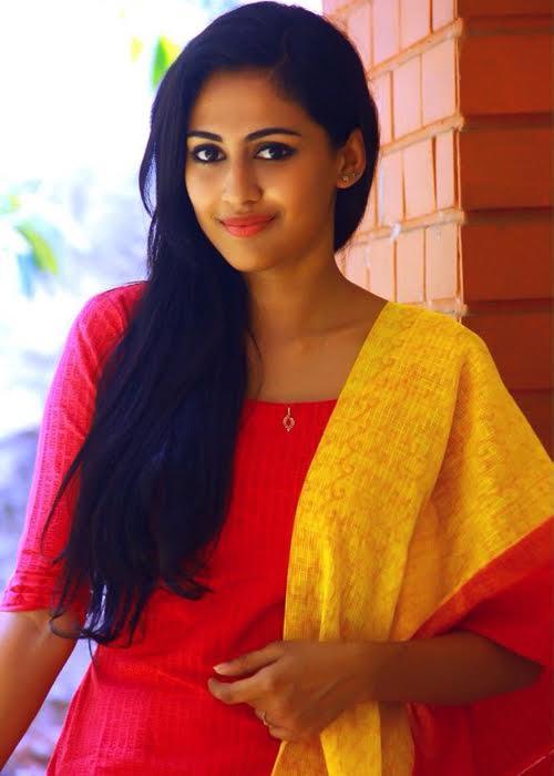Aparna Vinod Tamil Actress Profile
