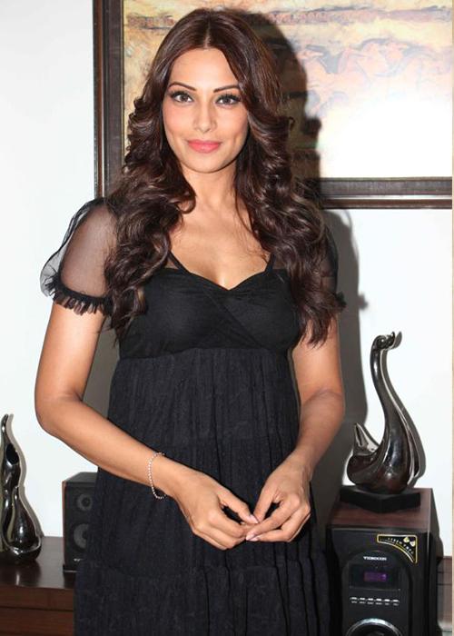 Bipasha Basu Tamil Actress Profile