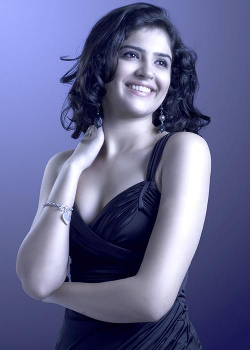 Deeksha Seth Tamil Actress Profile