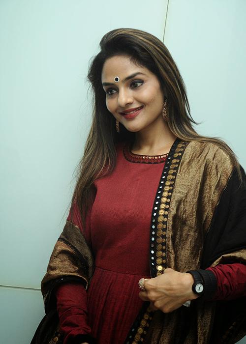 Madhoo Tamil Actress Profile