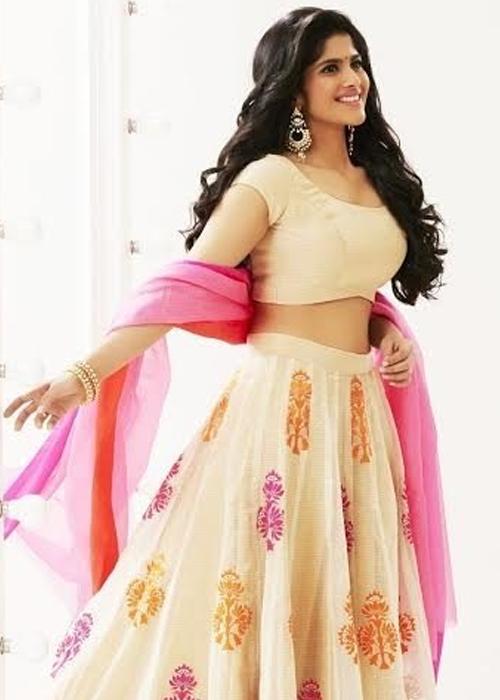 Megha Akash Tamil Actress Profile