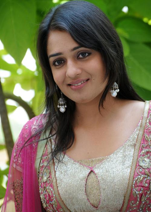 Nikita Thukral Tamil Actress Profile
