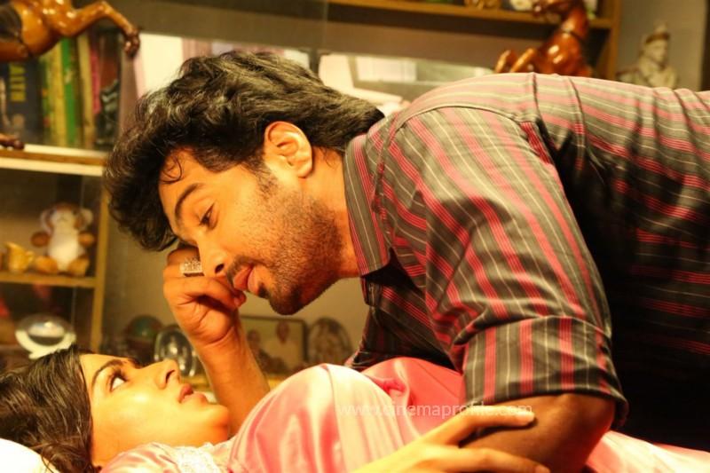 Aayirathi lIruvar Movie Stills | Photos | HD Images 4