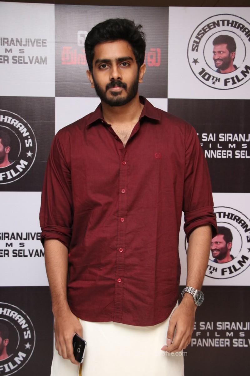 Nenjil Thunivirundhal Movie Audio Launch Photo Stills 16