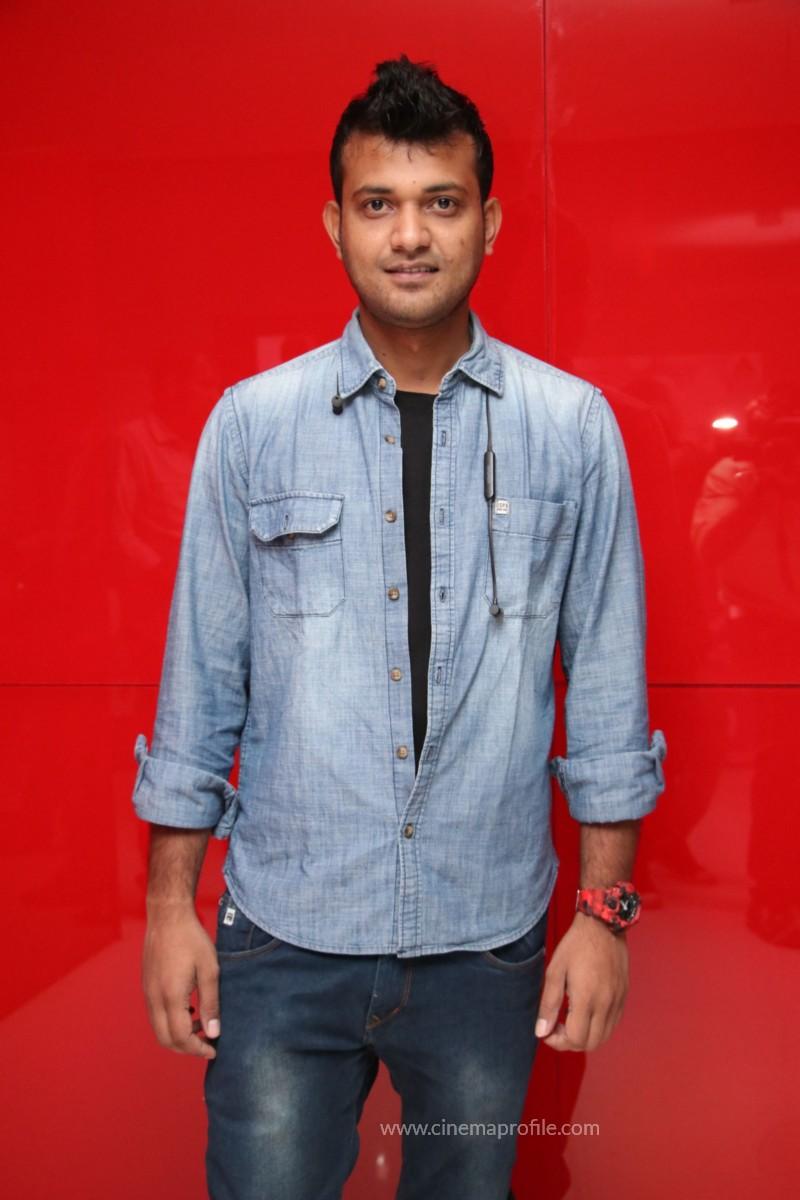 Nenjil Thunivirundhal Movie Audio Launch Photo Stills 19