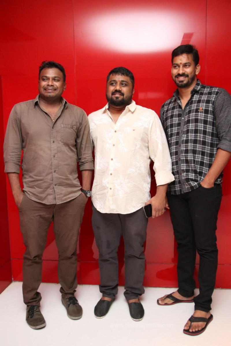Nenjil Thunivirundhal Movie Audio Launch Photo Stills 32