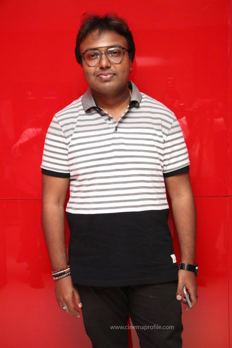 Nenjil Thunivirundhal Movie Audio Launch Photo Stills 25