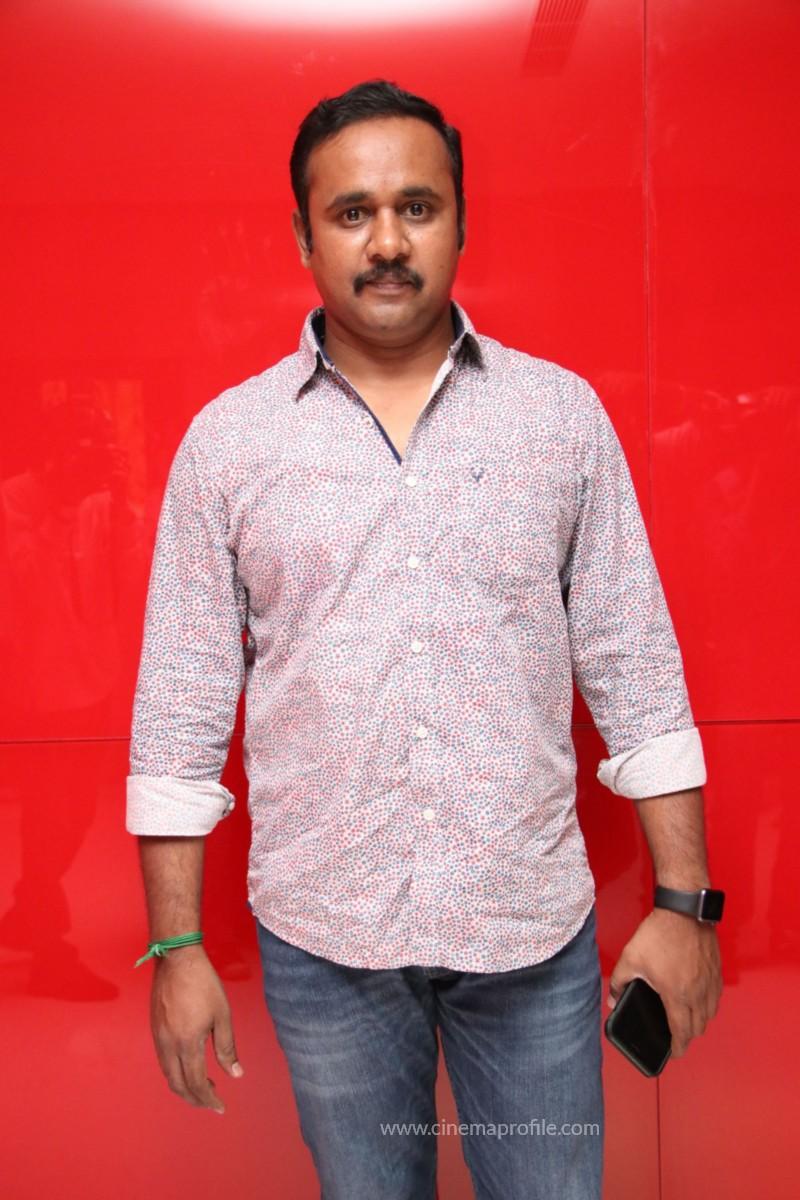 Nenjil Thunivirundhal Movie Audio Launch Photo Stills 35