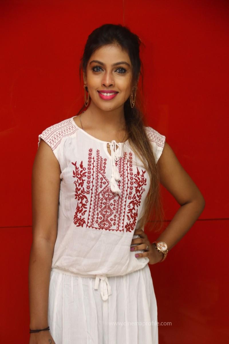 Nenjil Thunivirundhal Movie Audio Launch Photo Stills 14
