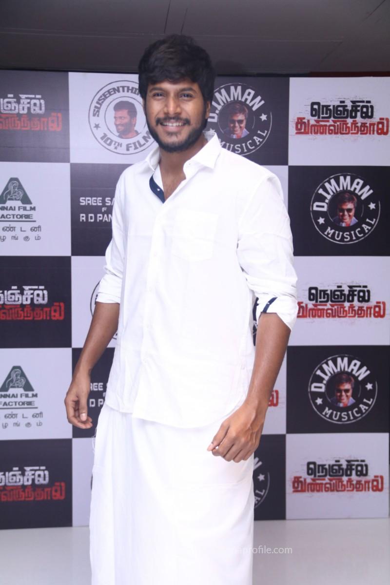 Nenjil Thunivirundhal Movie Audio Launch Photo Stills 17