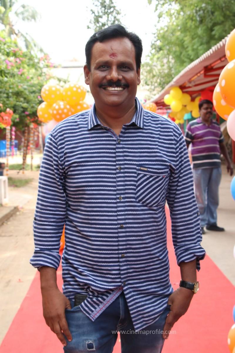 Avathara Vettai Movie Pooja Event Gallery, Stills 21