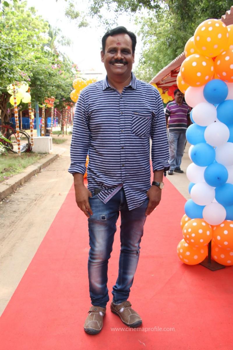 Avathara Vettai Movie Pooja Event Gallery, Stills 41