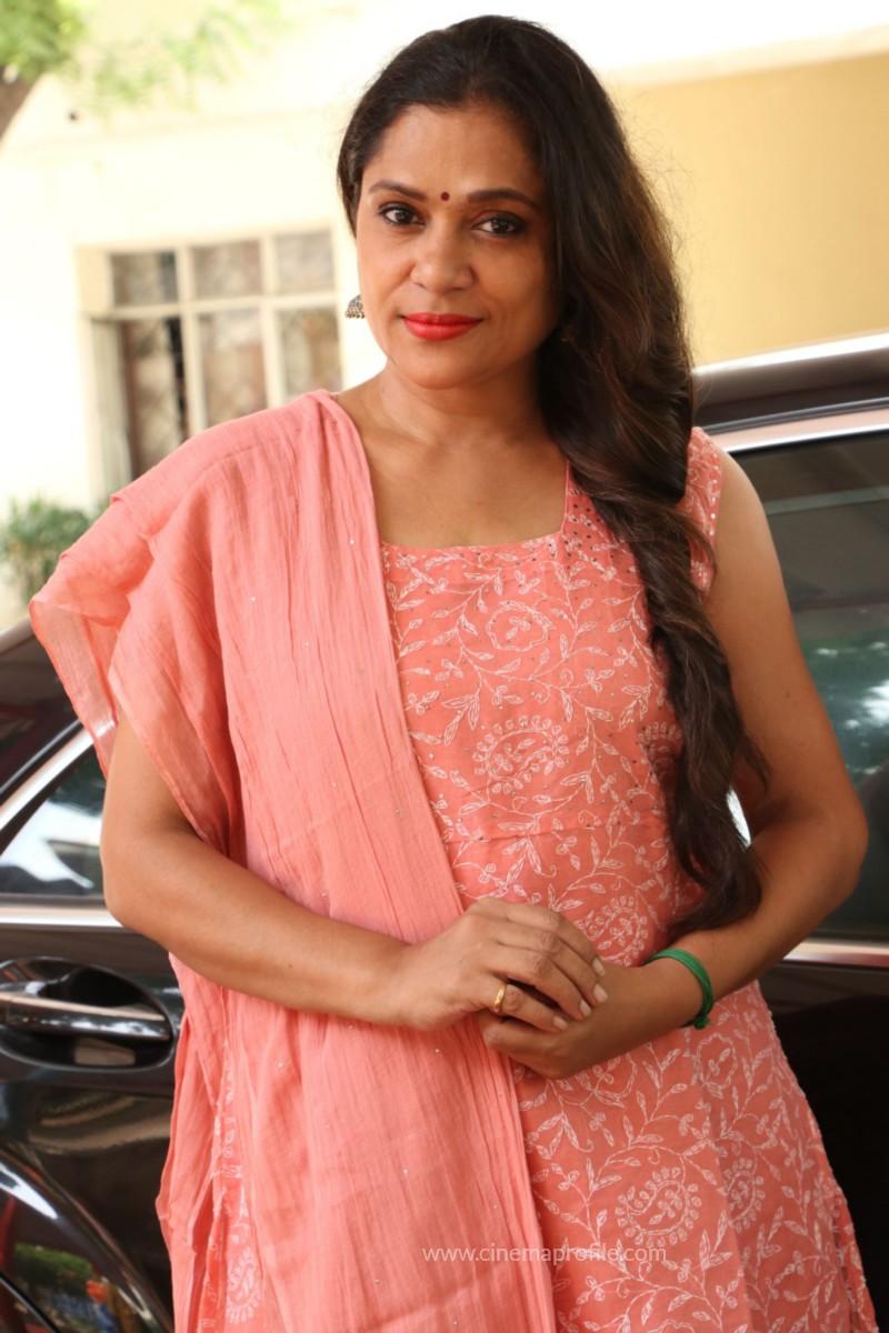 Avathara Vettai Movie Pooja Event Gallery, Stills 18