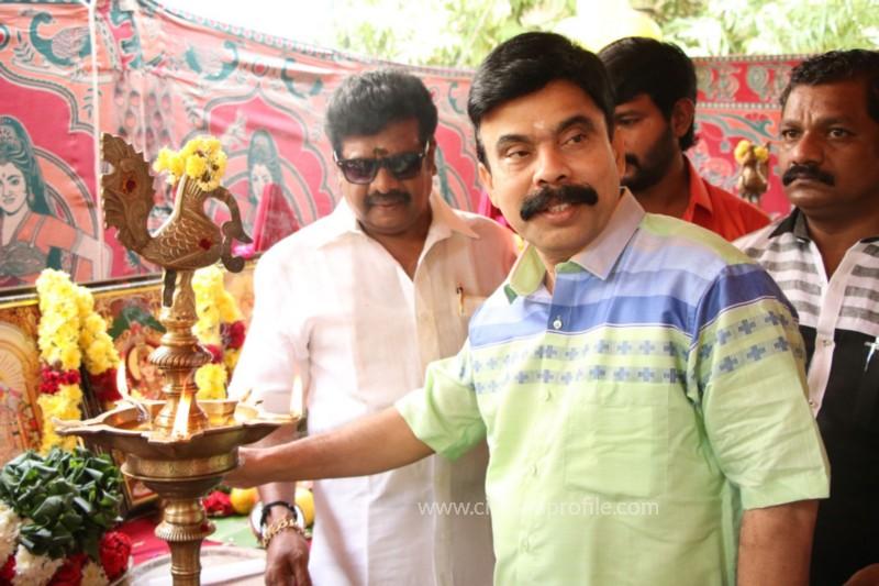 Avathara Vettai Movie Pooja Event Gallery, Stills 39