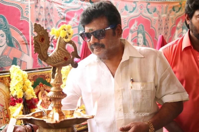 Avathara Vettai Movie Pooja Event Gallery, Stills 36