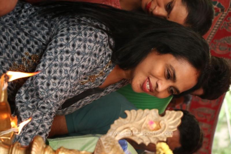 Avathara Vettai Movie Pooja Event Gallery, Stills 24