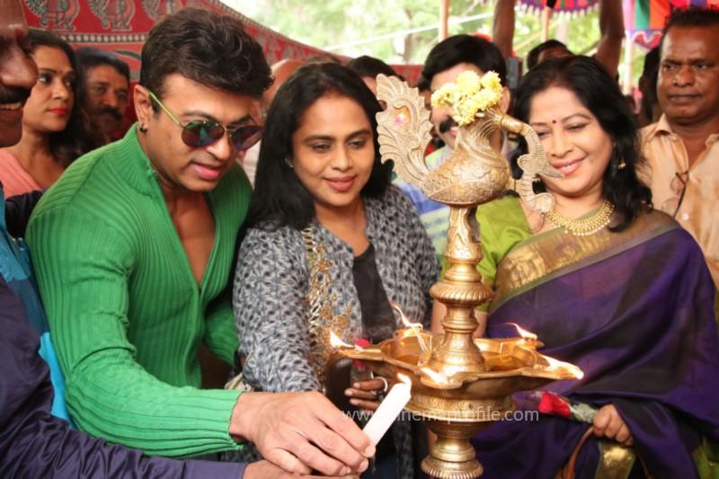 Avathara Vettai Movie Pooja Event Gallery, Stills 38