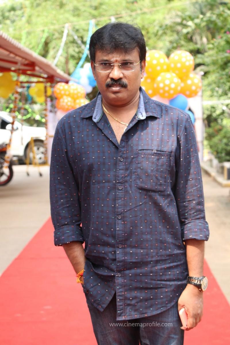 Avathara Vettai Movie Pooja Event Gallery, Stills 8