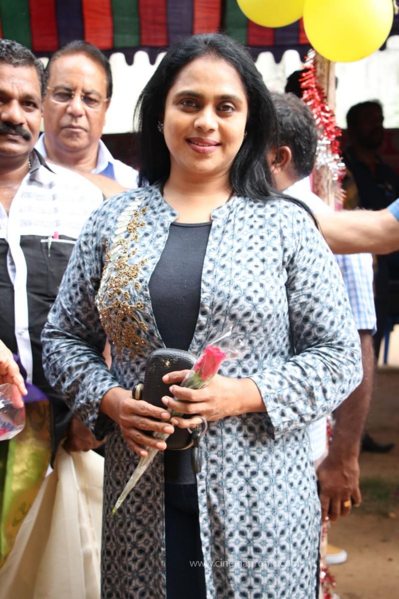 Avathara Vettai Movie Pooja Event Gallery, Stills 16