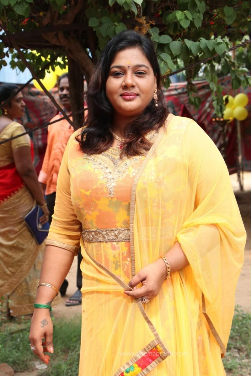 Avathara Vettai Movie Pooja Event Gallery, Stills 30