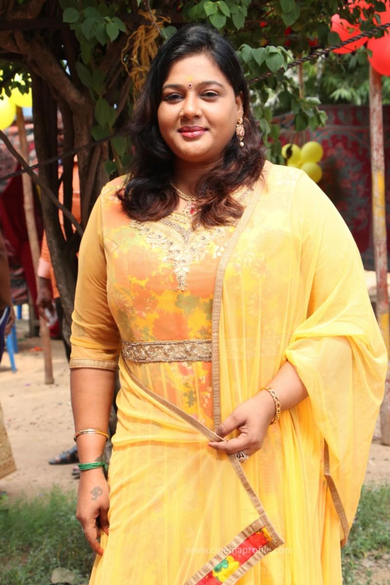 Avathara Vettai Movie Pooja Event Gallery, Stills 33
