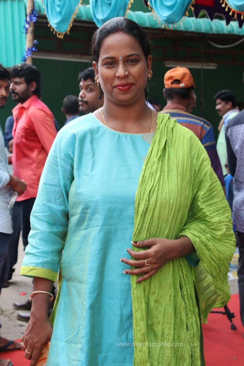 Avathara Vettai Movie Pooja Event Gallery, Stills 5