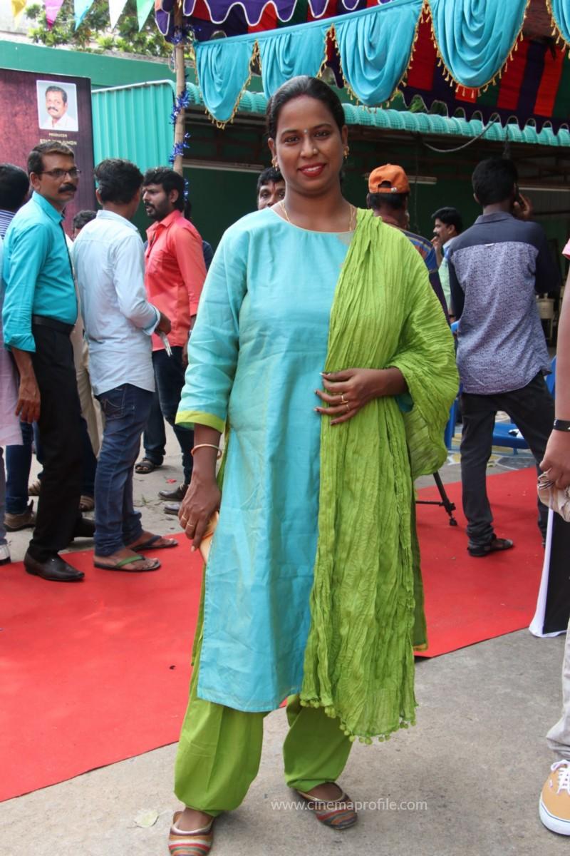 Avathara Vettai Movie Pooja Event Gallery, Stills 11