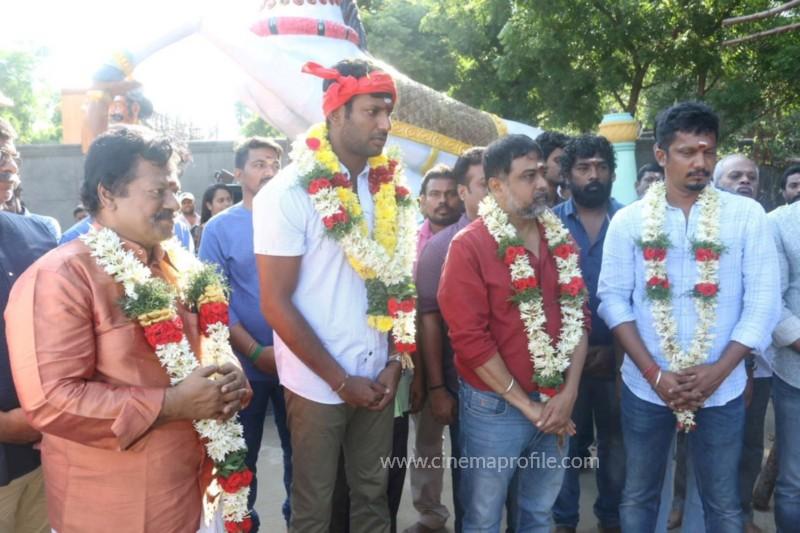 Vishal's Sandakozhi 2 Movie First Day Shoot and Pooja Photo Stills 2