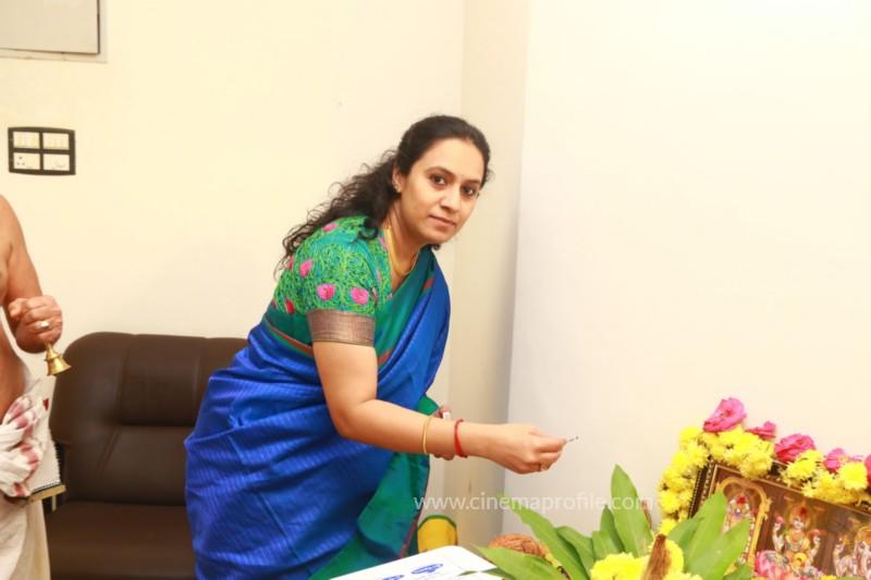Thamizh Padam 2.O Movie Pooja Event Stills, Photos, Gallery 2
