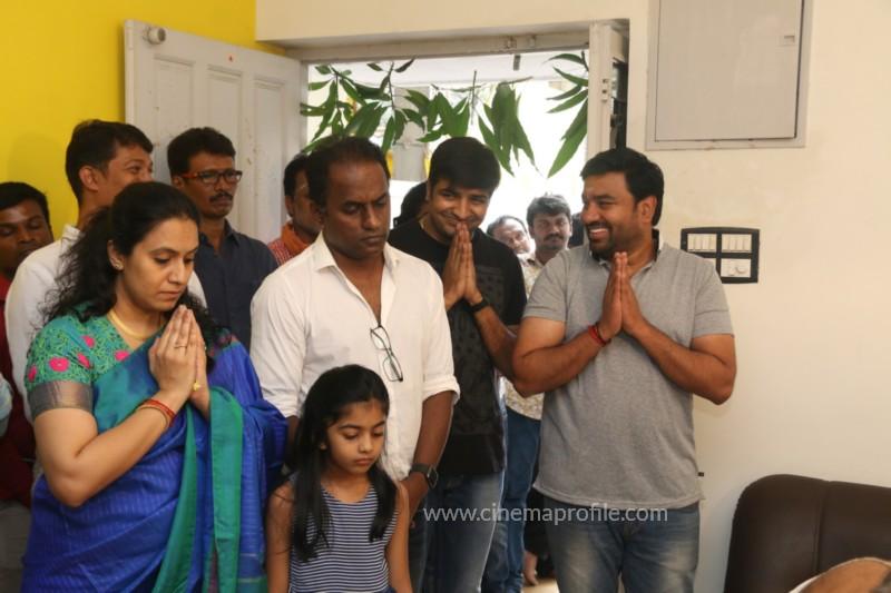 Thamizh Padam 2.O Movie Pooja Event Stills, Photos, Gallery