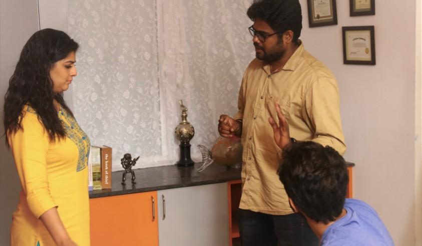 வரலட்சுமியின் 'வெல்வெட் நகரம்'  - Actress varu's new movie Velvet Nagaram